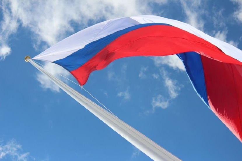 В память о боях с экстремистами в Дагестане установят четырёхметровый флаг России