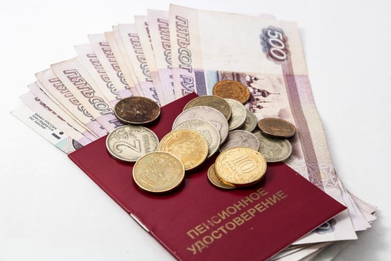 С 1 июля в России возобновят индексацию работающим пенсионерам