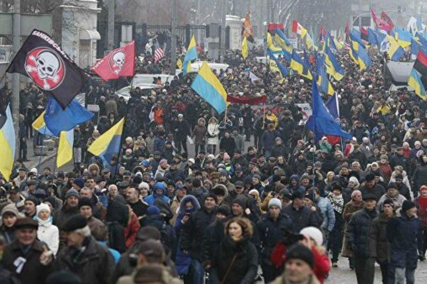 Возле офиса президента Украины проходит митинг протеста