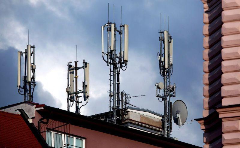 В Минкомсвязи заявили, что вышки 5G ничуть не вреднее предыдущих