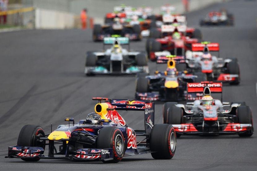 Пилот «Формулы 1» Макс Ферстаппен отказался становиться на одно колено перед гонкой