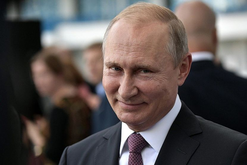 На фоне пандемии COVID-19 в России продлят доплаты медработникам