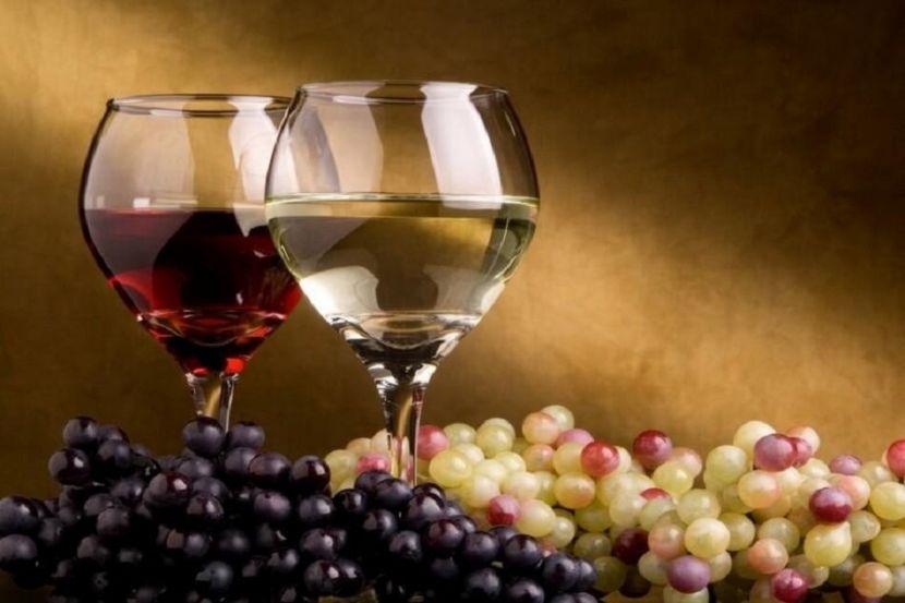 Опрос показал, какое вино выбирают россияне
