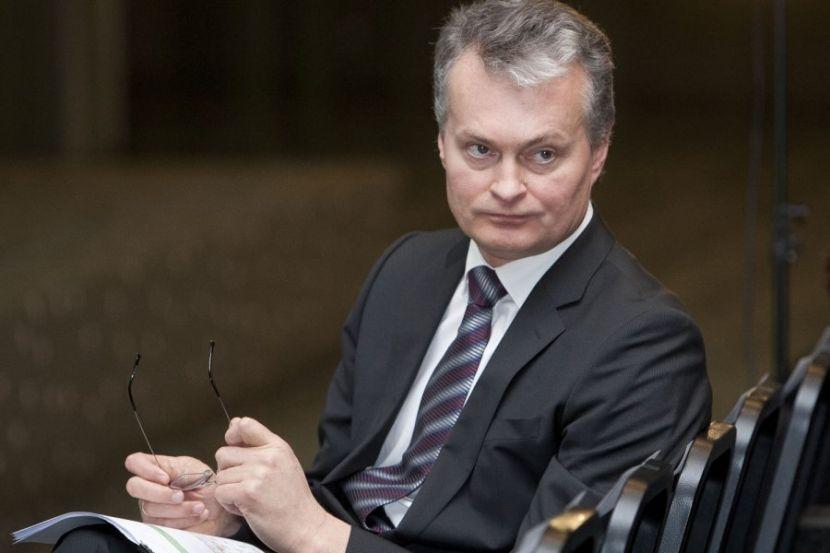 Президент Литвы заявил о попытках России переписать историю