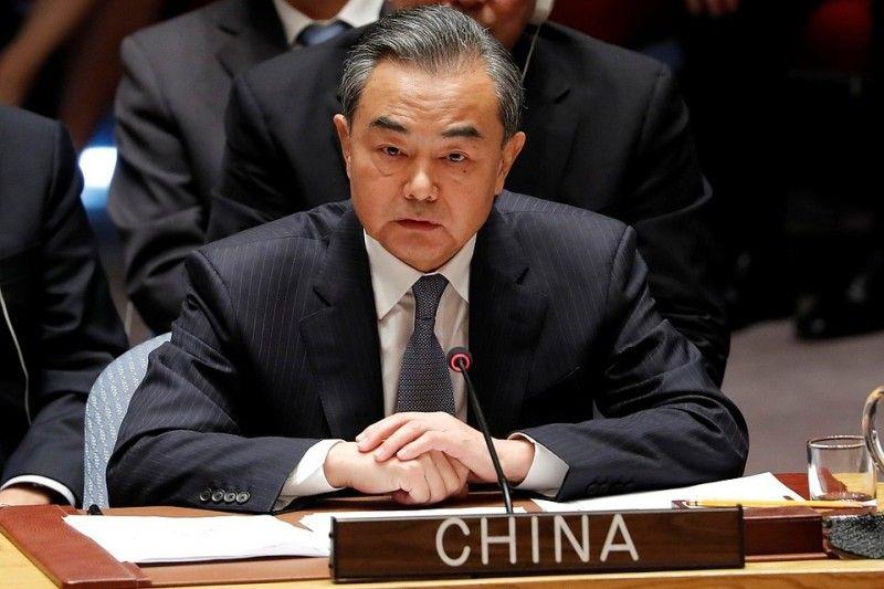 Глава МИД Китая: США лишились рассудка