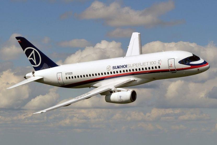 СМИ: российский лайнер SSJ-100 увеличат