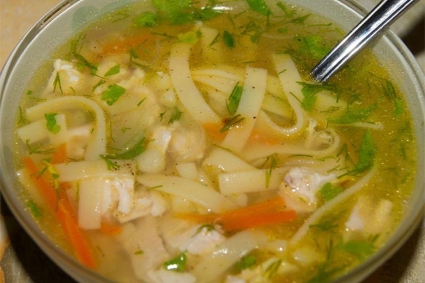 Специалист похвалила супы, указала на вред алкоголя и дала оценку полезности привычного рациона жителей России