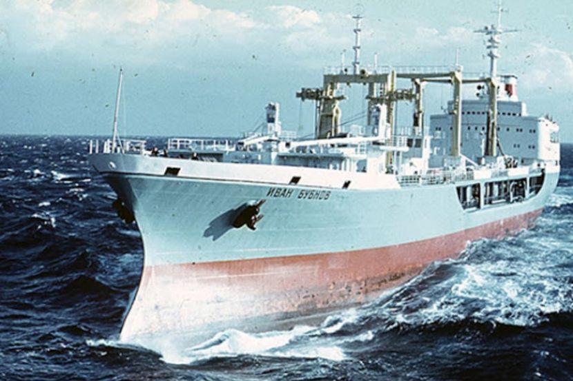 Россия намерена создать в Арктике флот танкеров