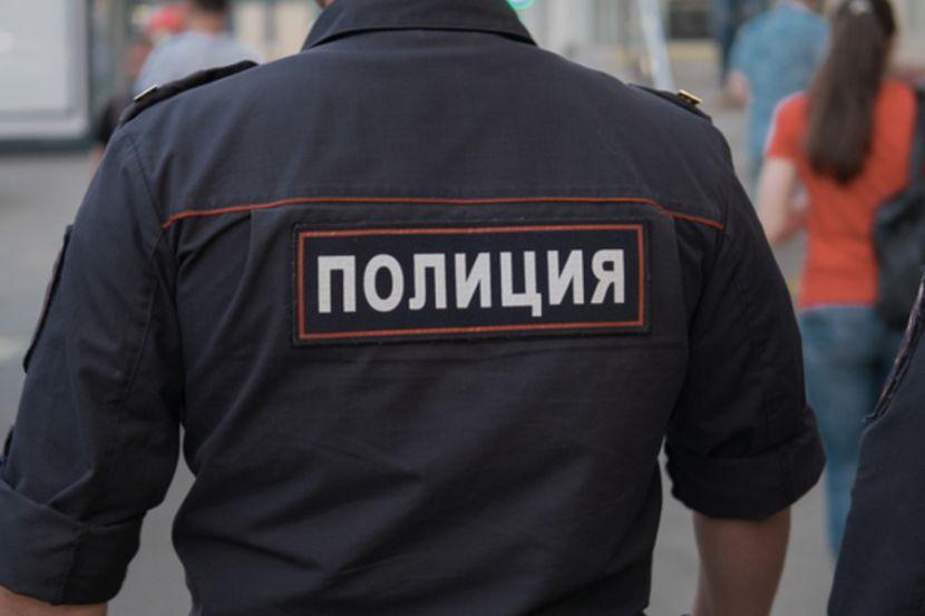 Житель столицы ударил сотрудника полиции ломом по голове