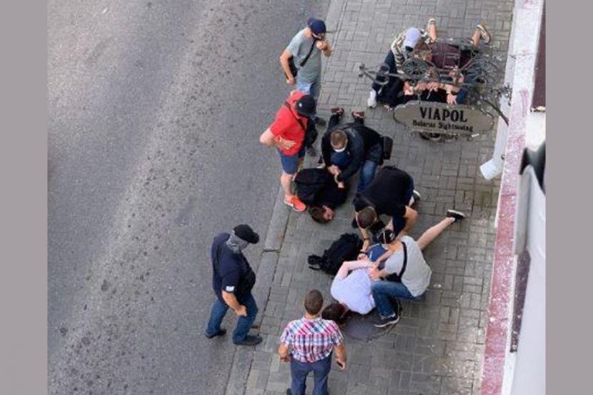 В Минске на сотрудников российского СМИ напали после интервью с представителем оппозиционного кандидата