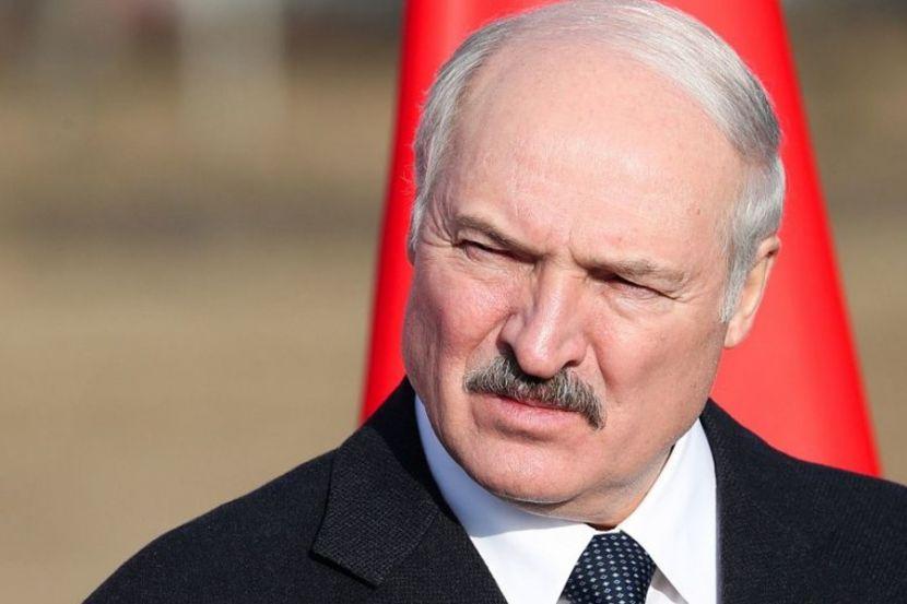 Лукашенко сказал, что не следует его пугать санкциями после выборов