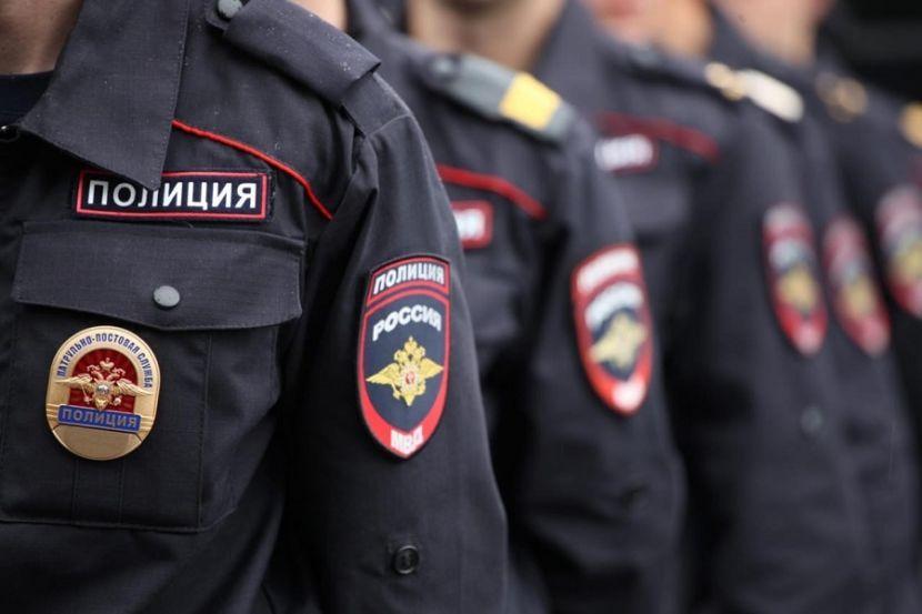 В Петербурге более 100 человек собрались на акции солидарности с белорусами