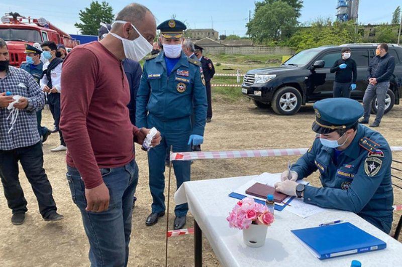 Более 260 азербайджанцев отправились на родину через спецкоридор на границе