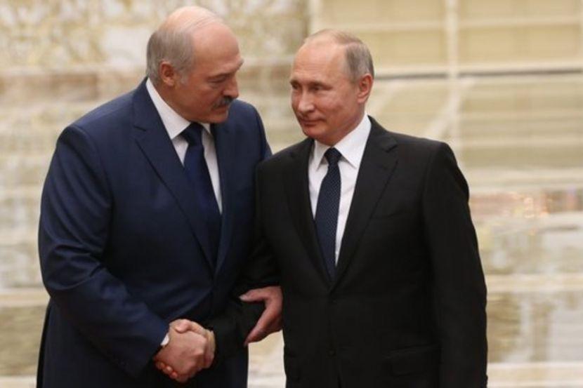 Путин и Лукашенко поговорили о ситуации в Белоруссии