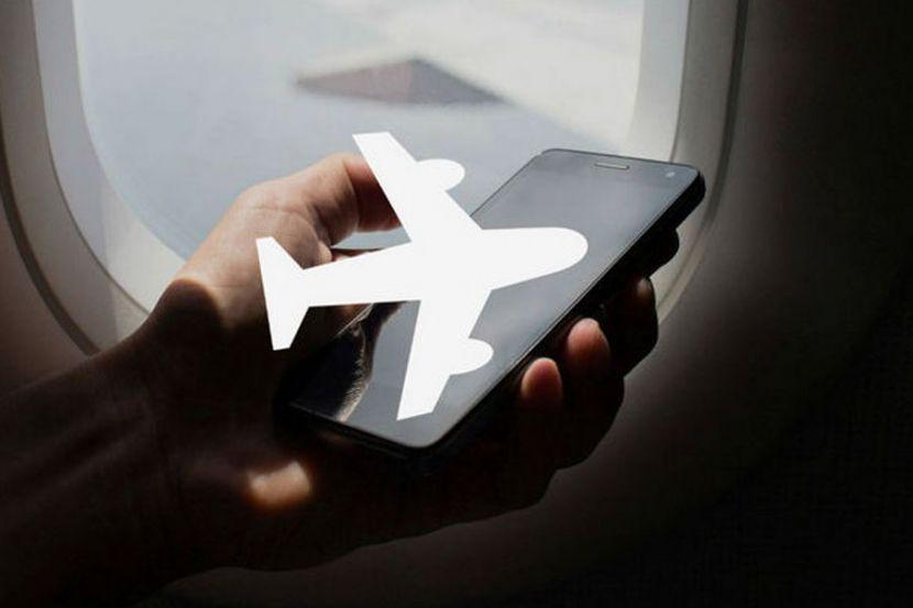 Эксперт рассказала о пользе авиарежима в телефонах