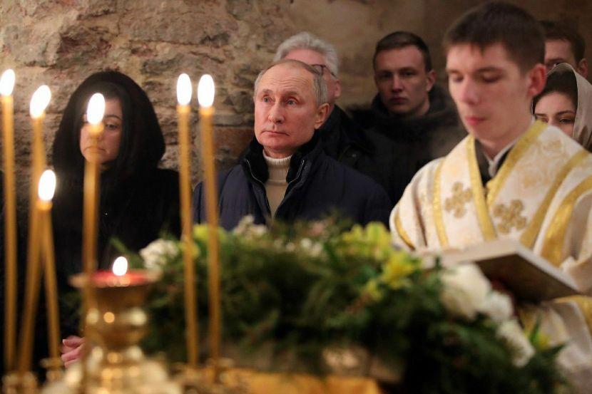 Vladimir Putin attended the Christmas service