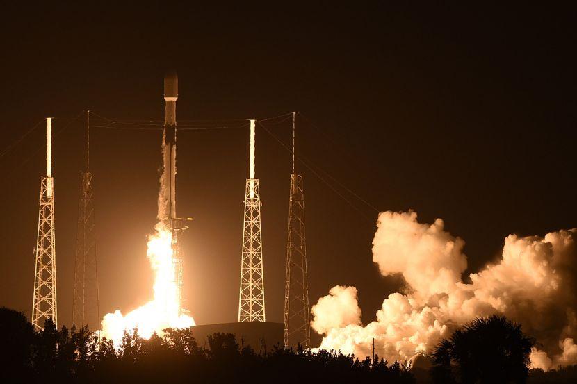 Запуск Falcon 9.